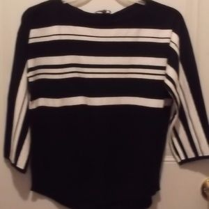 """Cable & Gauge"" Large sweater - new"
